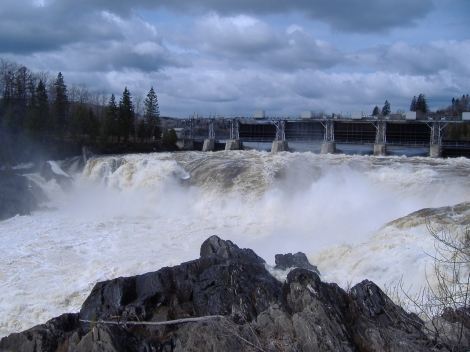Grand_Falls_Raging_Waterfall